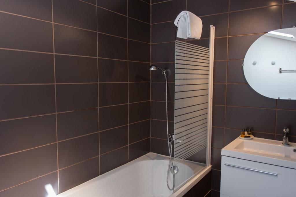 Maison d 39 h tes chambre en ville bordeaux book your for Chambre de commerce de bordeaux
