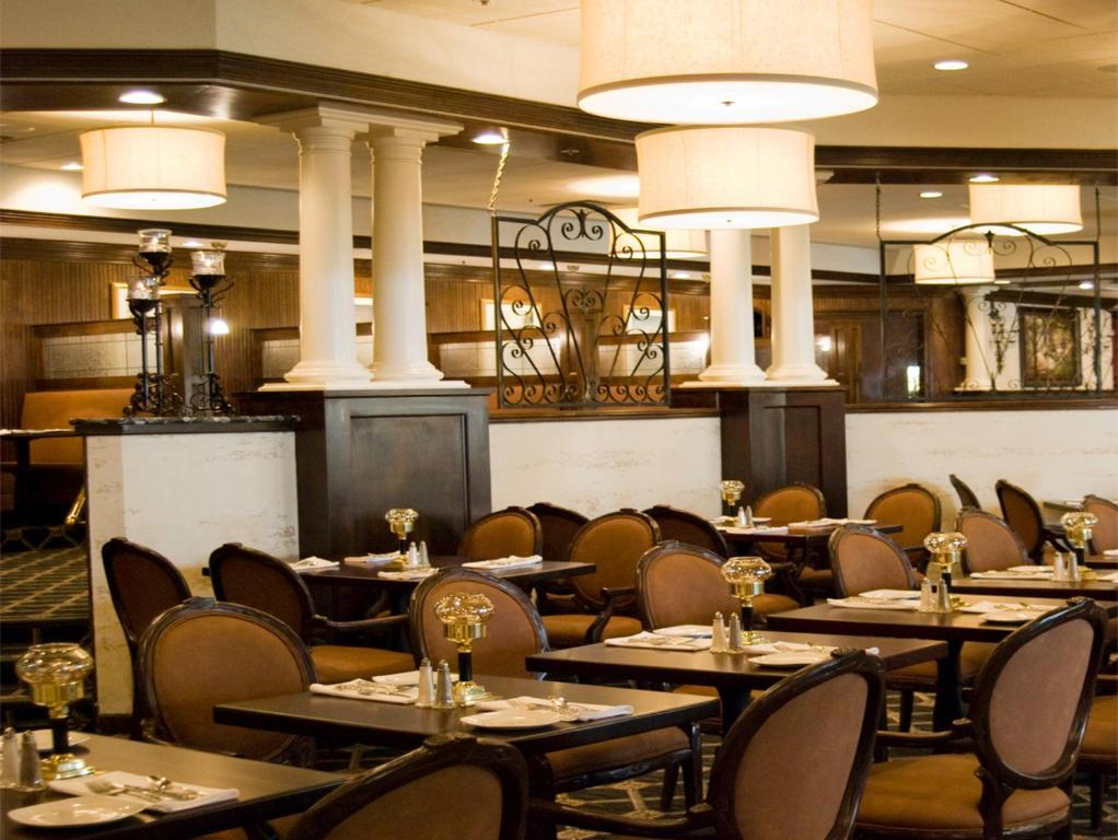 Hotels With Restaurant In Greensboro Nc