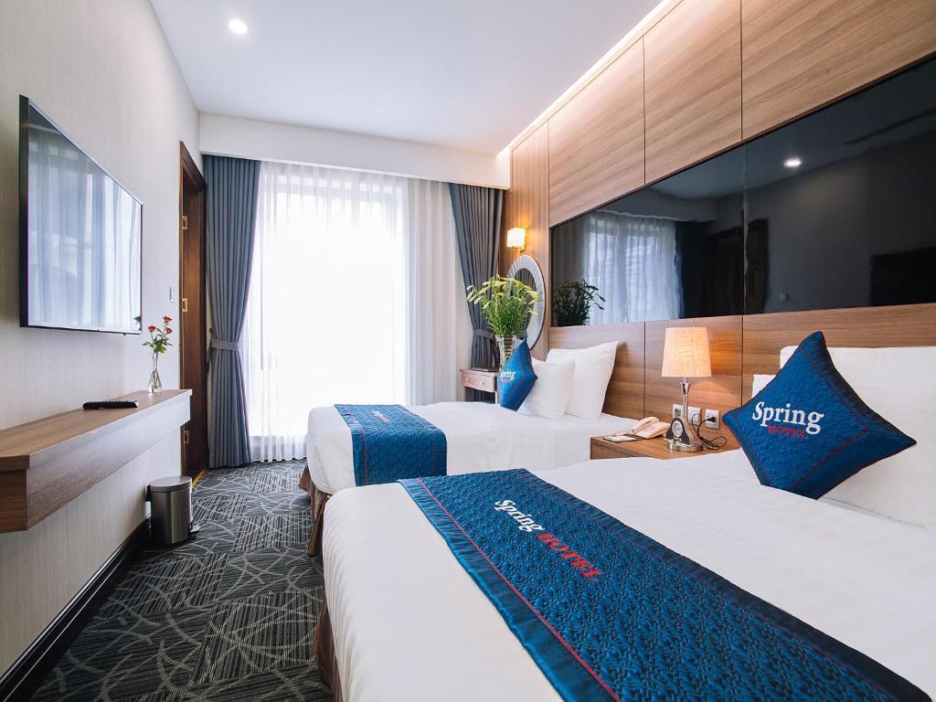 Phòng Cổ Điển Premium Giường Đôi/2 Giường Đơn Nhìn Ra Thành Phố