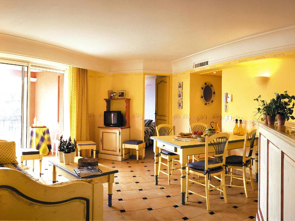Hotel Le Petit Prince Sainte Maxime Booking