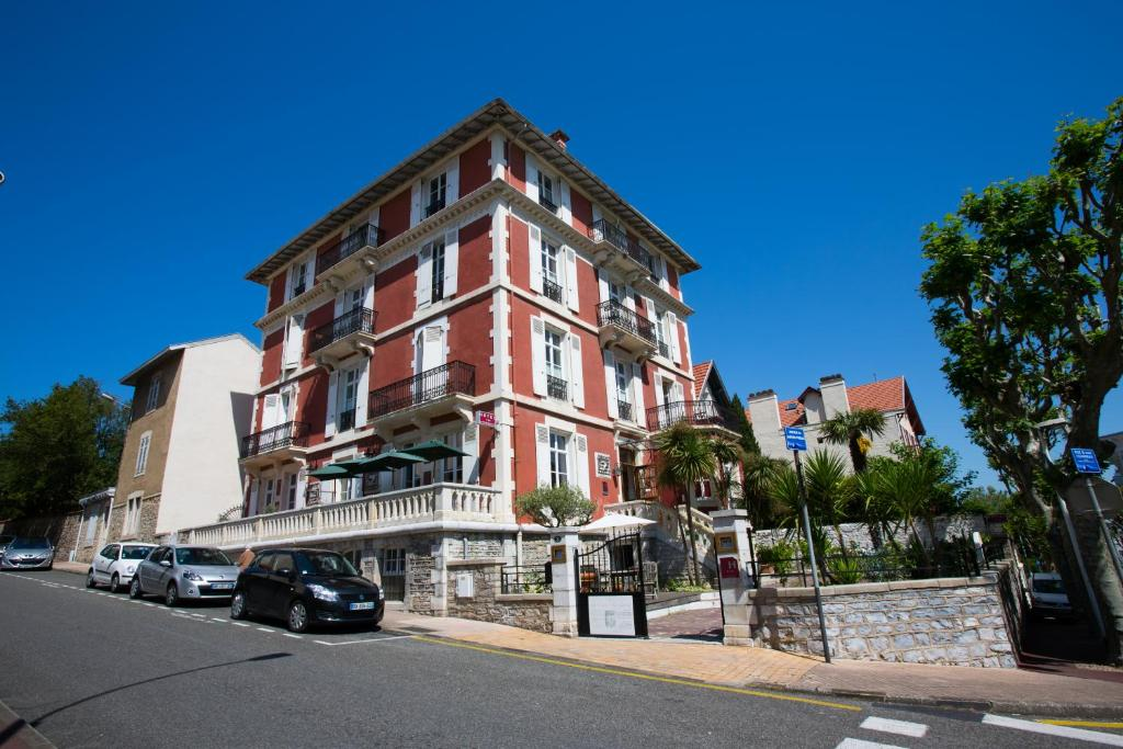 La maison du lierre biarritz book your hotel with for Hotels 3 etoiles biarritz
