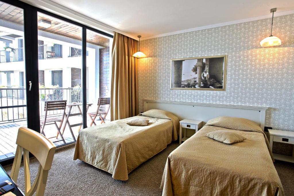 Regina maria spa design hotel bal ik book your hotel for Hotel regina barcelona booking