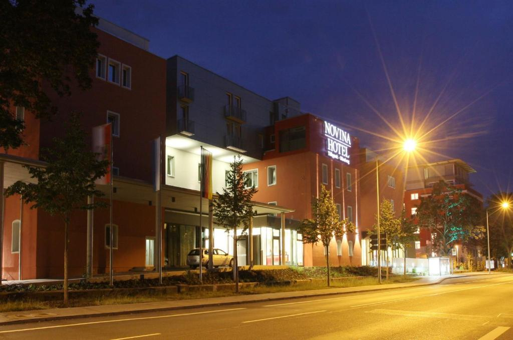 Novina hotel tillypark stein book your hotel with for Nurnberg hotel