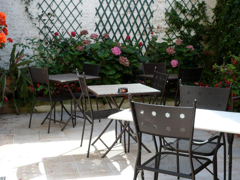 Le relais vauban abbeville online booking viamichelin for Au jardin des deux ponts abbeville