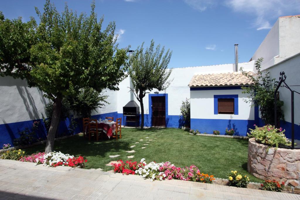 Casa rural valle jucar villalgordo del jucar spain - Casa rural rio jucar ...