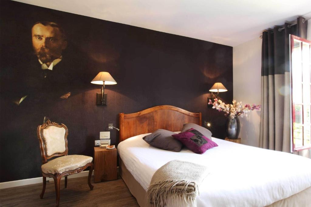 hotel la croix blanche fontevraud r servation gratuite sur viamichelin. Black Bedroom Furniture Sets. Home Design Ideas