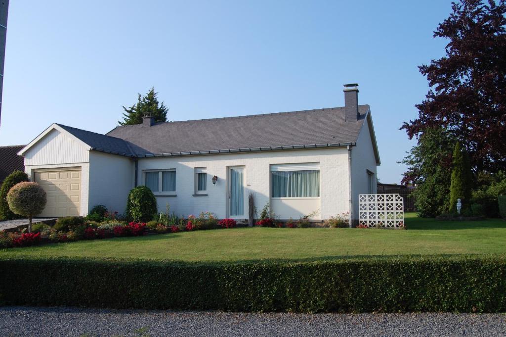 Villa la maison du marais tournai belgium for La maison du carrelage blagnac