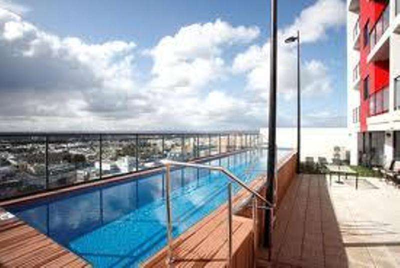 Astra apartments perth zenith australia for Pool show perth