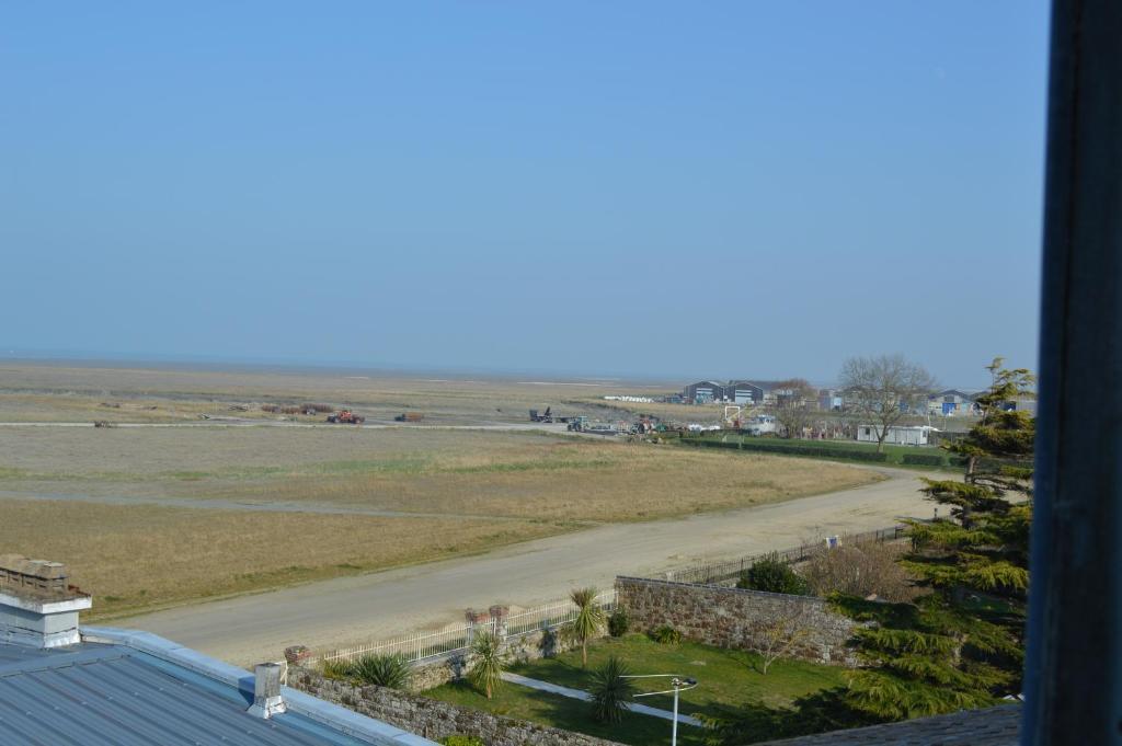 Hotel Le Vivier Sur Mer Bretagne