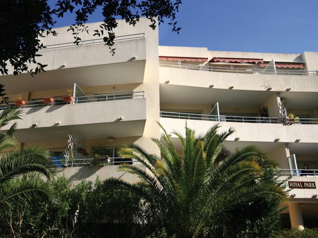 Lagrange vacances l 39 alisier royal parc villeneuve loubet - Office du tourisme villeneuve loubet ...