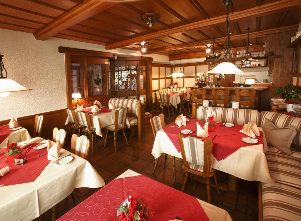 schuhs hotel restaurant chambres d 39 h tes karlsruhe. Black Bedroom Furniture Sets. Home Design Ideas