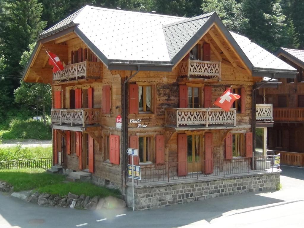 chalet suisse bed and breakfast troistorrents. Black Bedroom Furniture Sets. Home Design Ideas