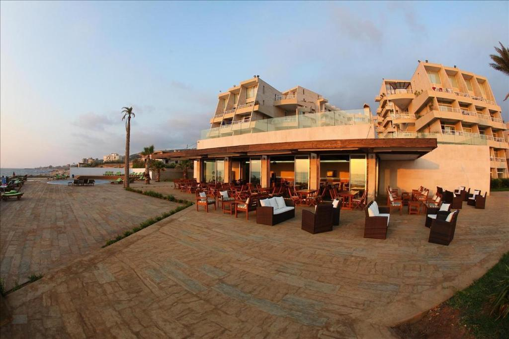 Restaurants In Jbeil On The Beach