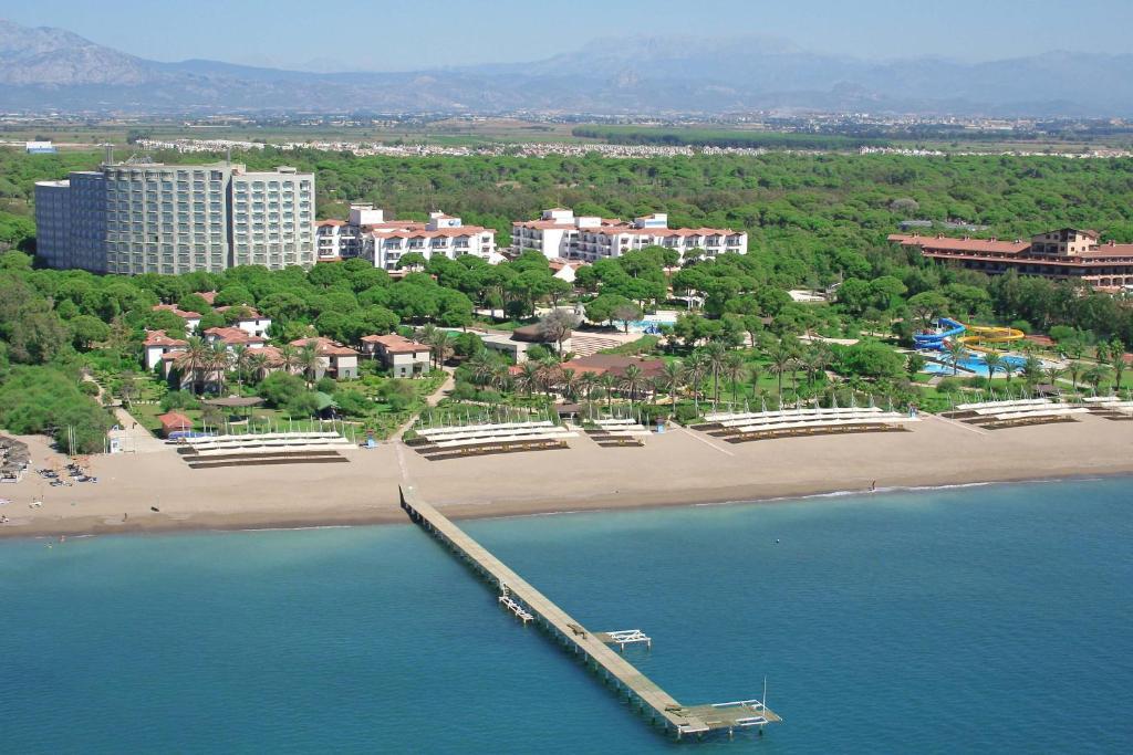 منظر Altis Resort Hotel & Spa - Halal All Inclusive من الأعلى