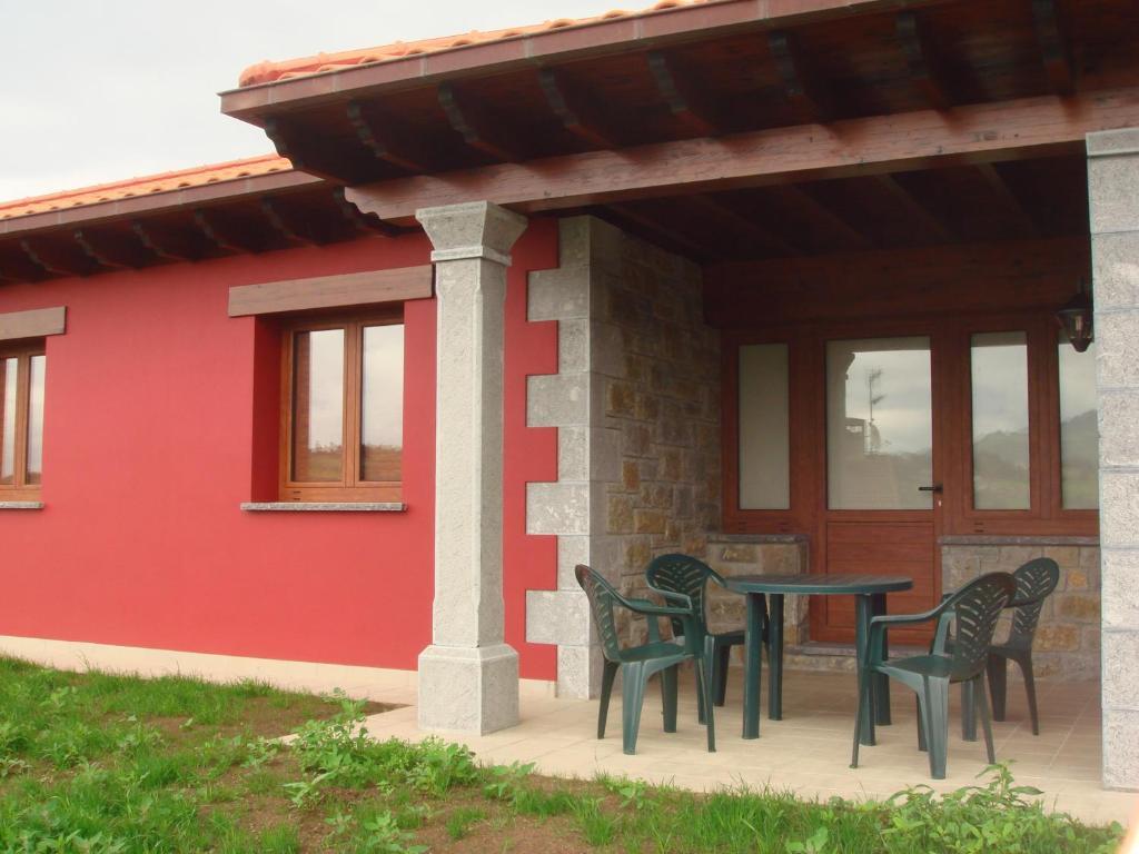 Apartamentos los picos de tere es casas de vacaciones tere es - Terenes casa rural ...