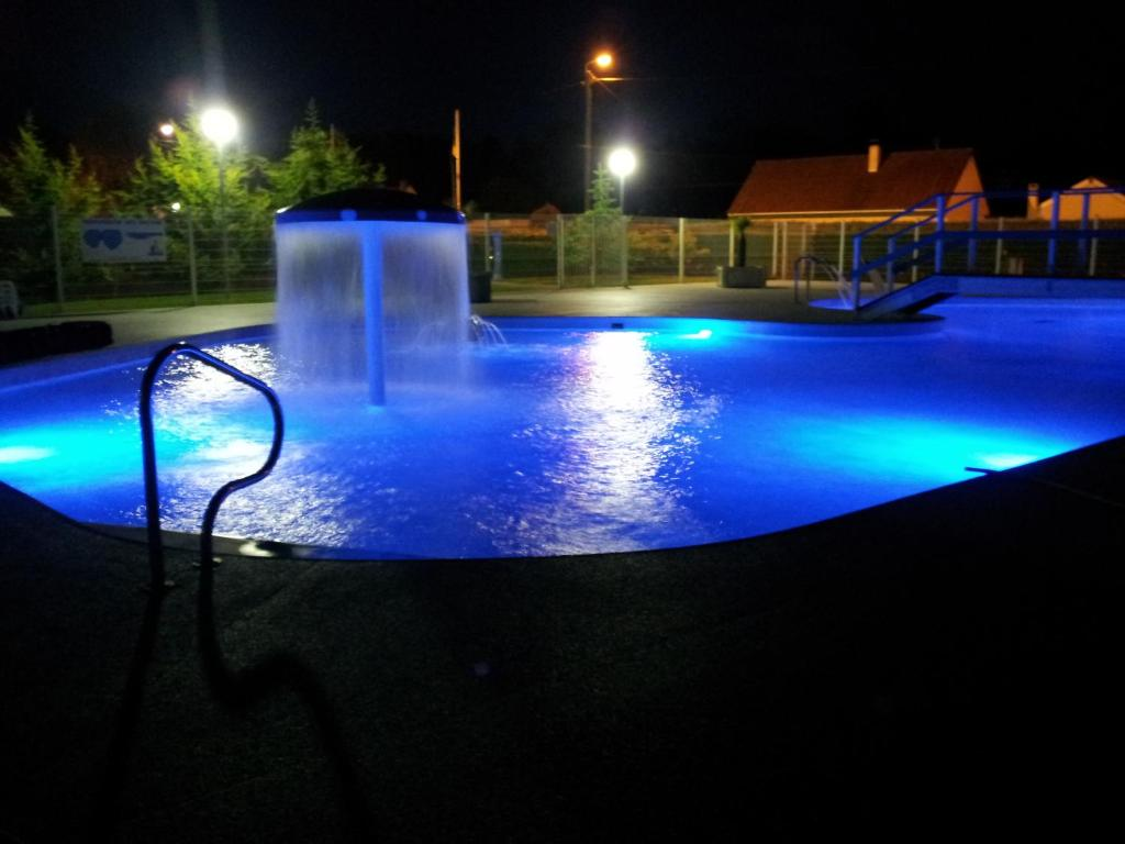 Camping le royon camping fort mahon plage dans la for Camping a fort mahon avec piscine