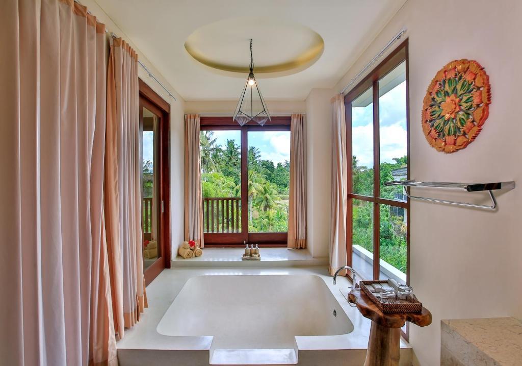Un baño de Green Field Resort Ubud