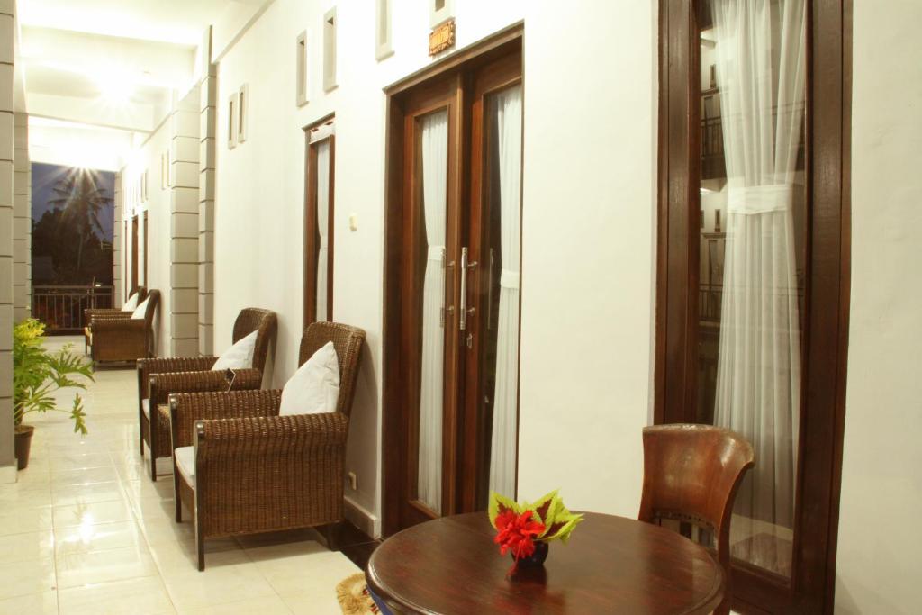 chambres d 39 h tes aya 39 s room chambres d 39 h tes ubud. Black Bedroom Furniture Sets. Home Design Ideas