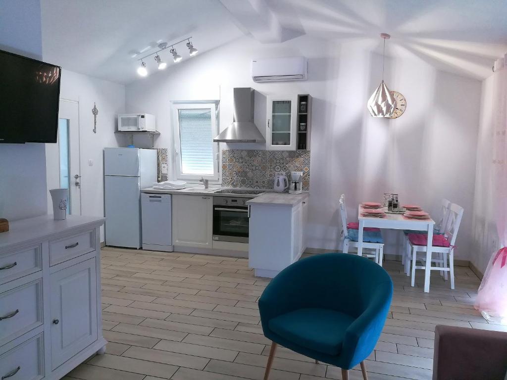 Apartment Lana (Croácia Crikvenica) - Booking.com