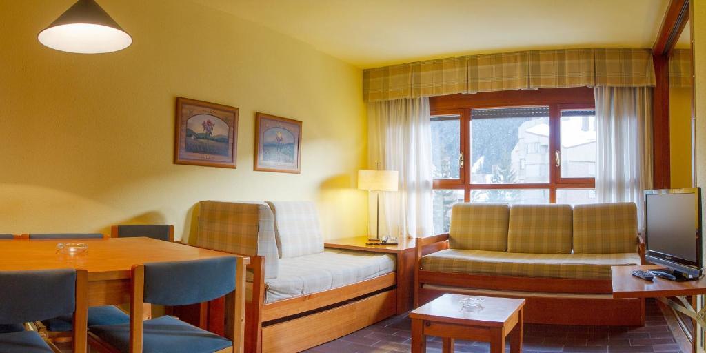 Apartamentos MultiBaqueira Vielha reserva tu hotel con  : 19726340 from www.viamichelin.es size 1024 x 512 jpeg 60kB