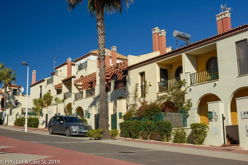 Booking.com: Casa de vacaciones (WAR002) Town House with ...
