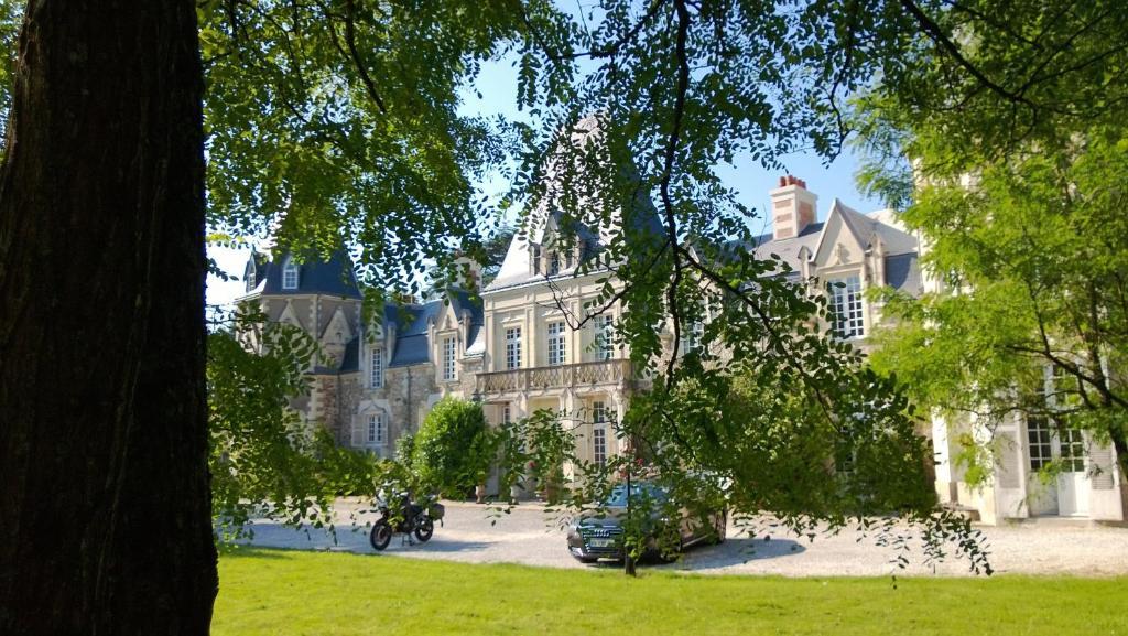 Chambres d'H u00f4tes Ch u00e2teau du Bois de La Noe Bouaye book your hotel with ViaMichelin # Chateau Du Bois De La Noe