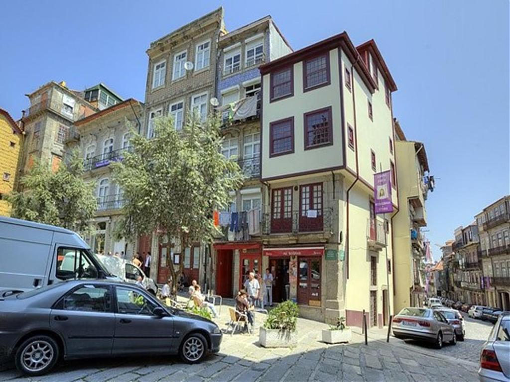 Oporto clerigos apartments oporto reserva tu hotel con viamichelin - Booking oporto apartamentos ...