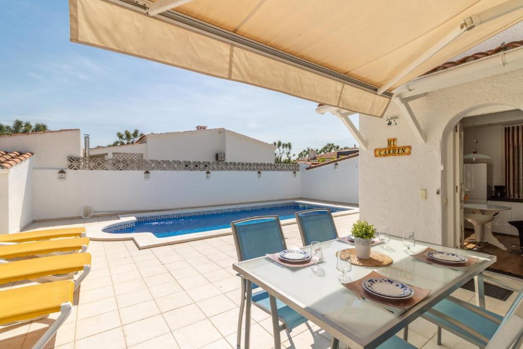 Villa Montseny 11 (España Ampuriabrava) - Booking.com