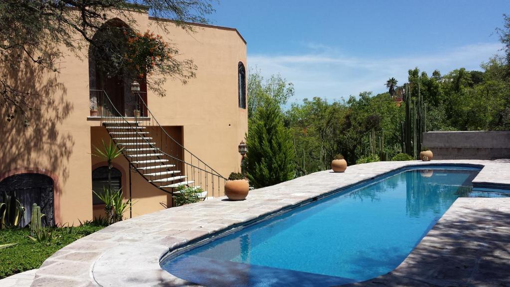 Villa la casa tunas m xico san miguel de allende for Go fit piscinas san miguel telefono