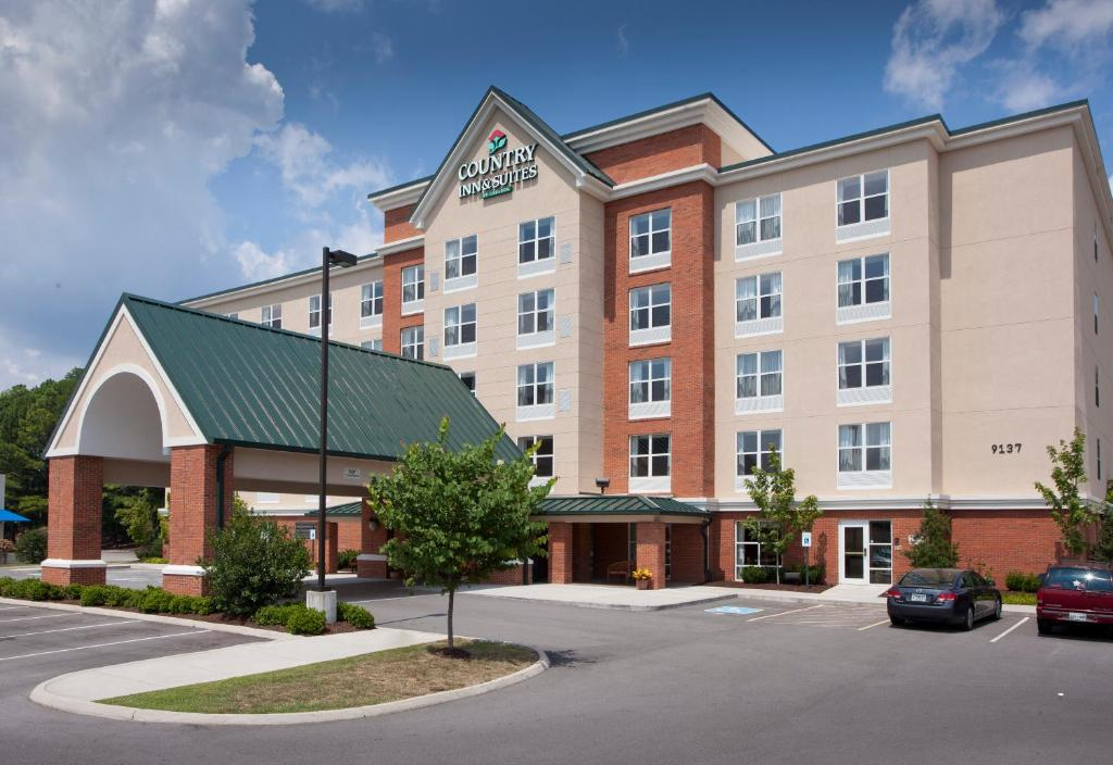 Knoxville 37923 Country Inn and Suites Knoxville at Cedar Bluff S4336rio also Index4116 besides Knoxville Metropolitan Area as well Details in addition NewsTalk 987 S18775. on the q radio station knoxville tn