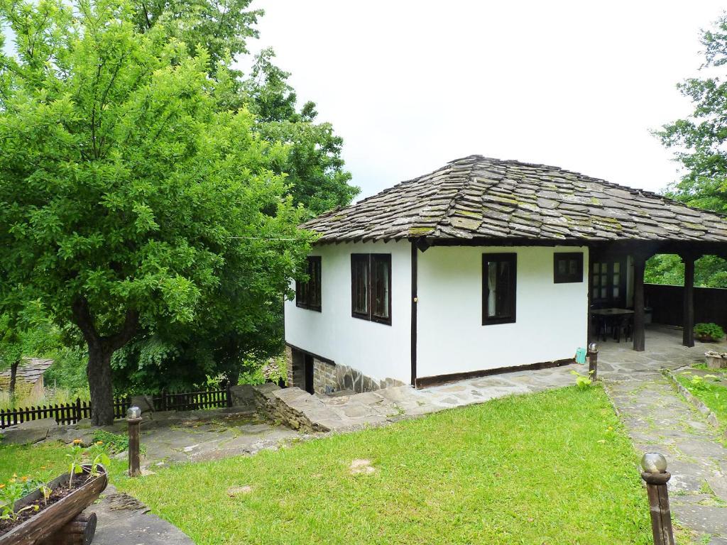 Vườn quanh Tacheva Family House - Pool Access