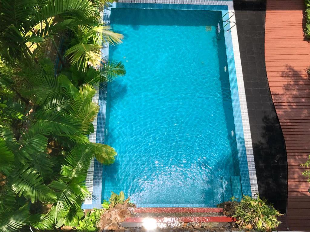 The swimming pool at or close to Royal Bagan Hotel