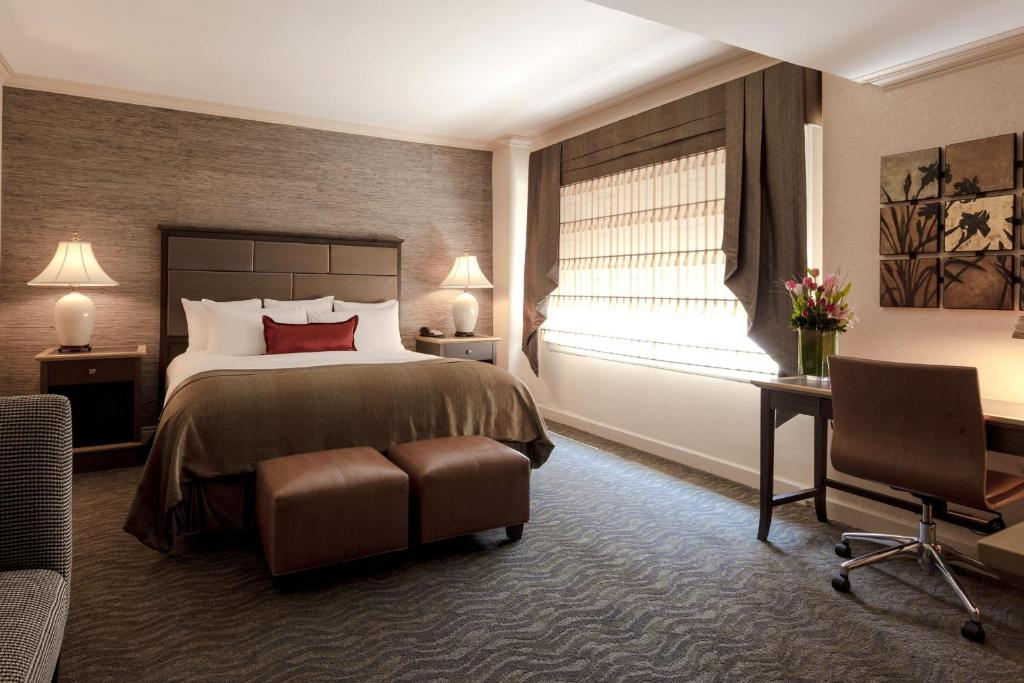 The whitehall hotel chicago book your hotel with for Book a hotel room in chicago