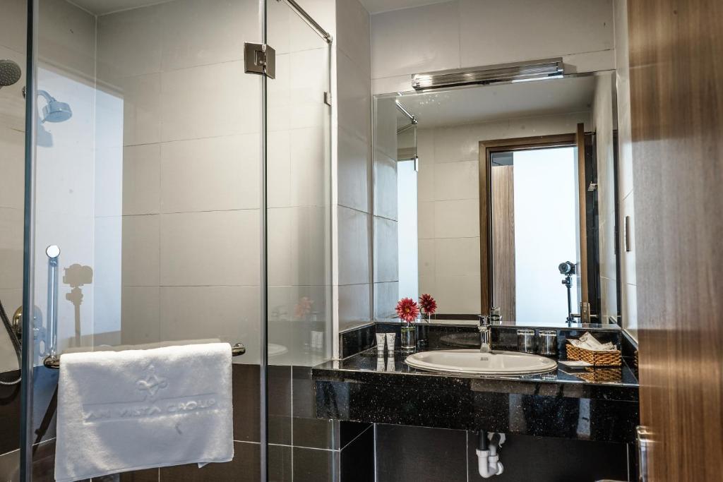 Phòng tắm tại An Vista Hotel