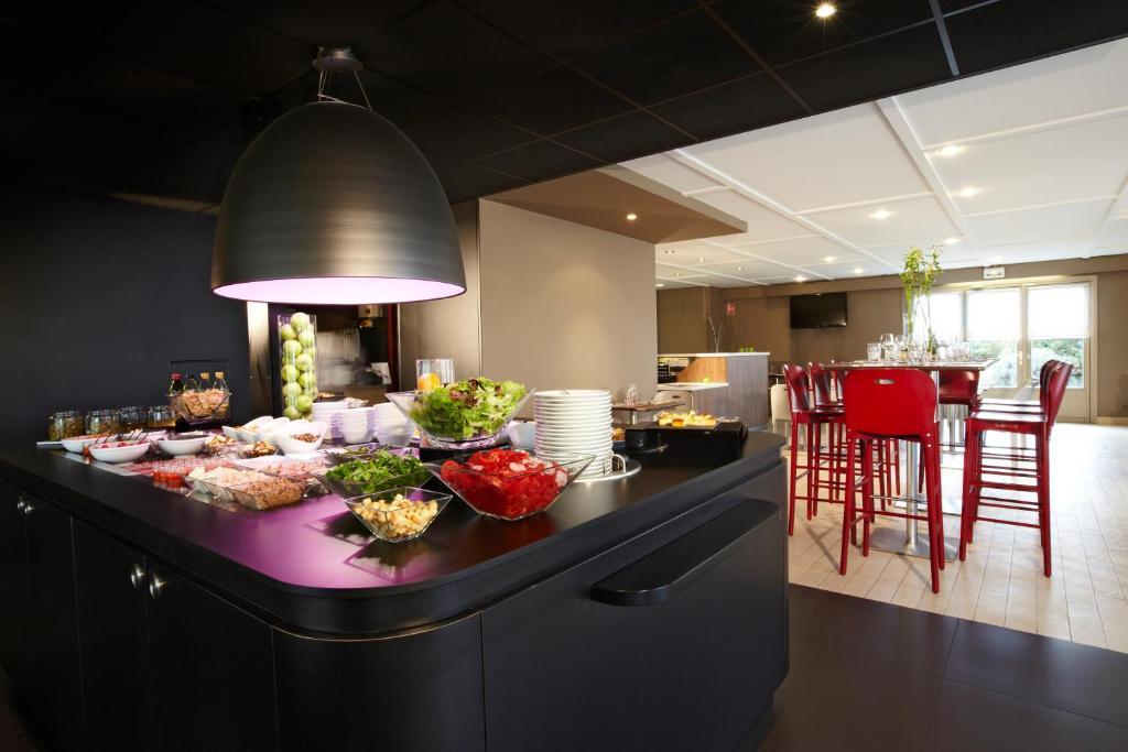 hotel campanile douai cuincy. Black Bedroom Furniture Sets. Home Design Ideas