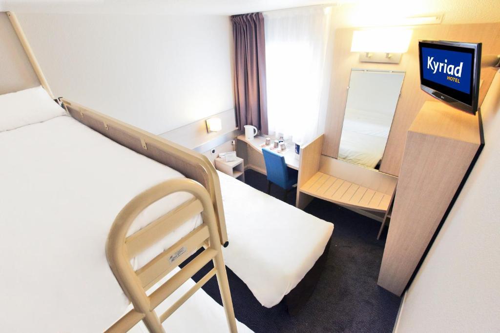 kyriad hotel paris porte d 39 ivry r servation gratuite sur viamichelin. Black Bedroom Furniture Sets. Home Design Ideas