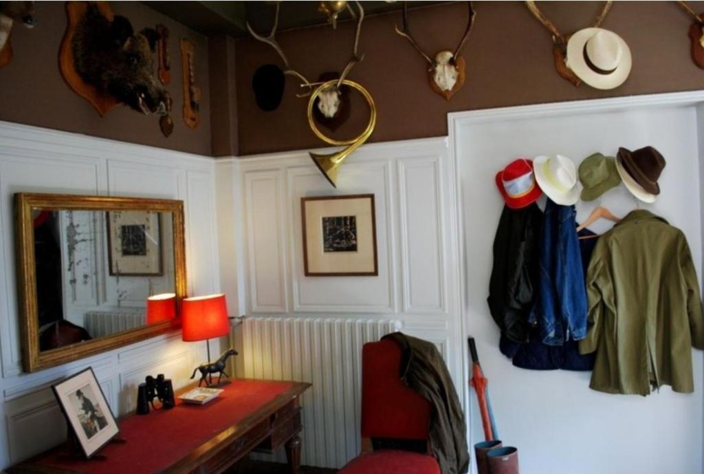 Chambres d 39 h tes la couronne villers cotter ts viamichelin informatie en online reserveren - Bazin meubilair ...