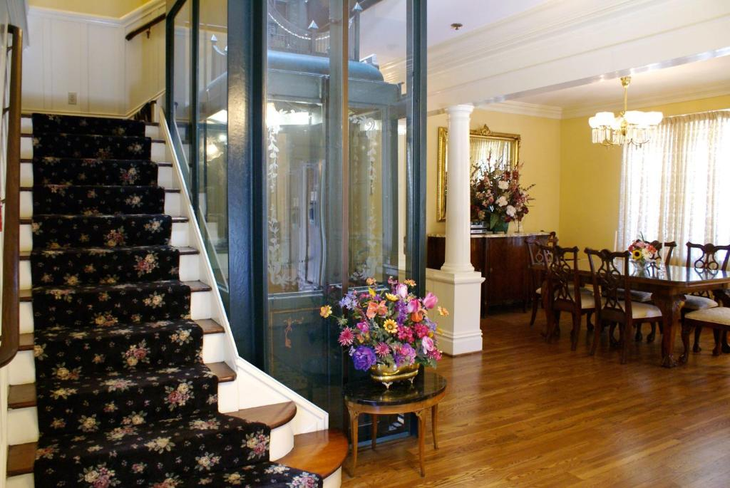 Nob hill inn san francisco book your hotel with for Nob hill motor inn san francisco ca 94109