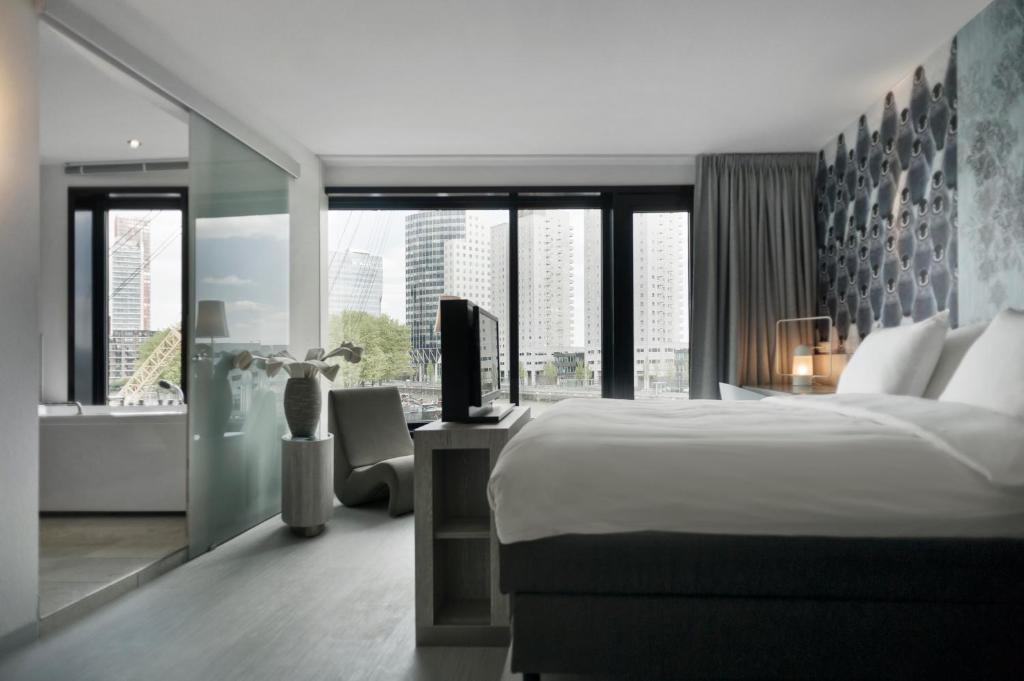 Mainport design hotel rotterdam viamichelin for Designhotel rotterdam