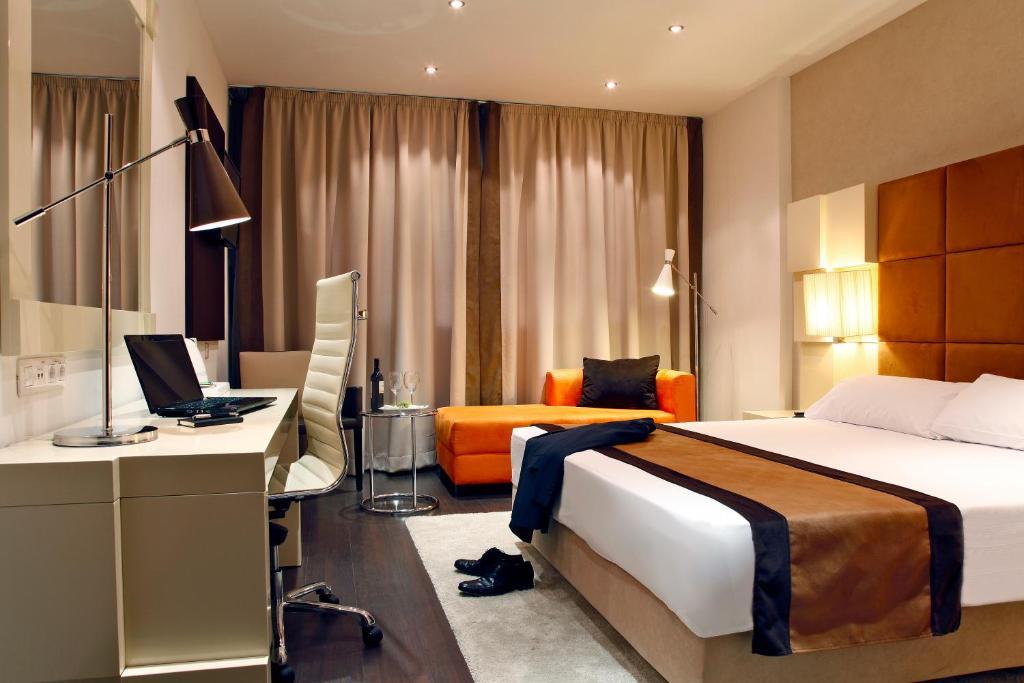 Holiday inn madrid las tablas madrid viamichelin for Planificador de habitaciones online