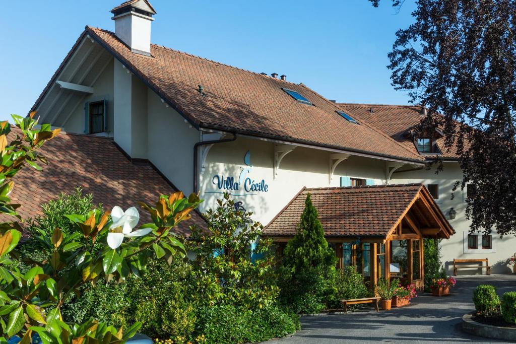 villa c cile messery reserva tu hotel con viamichelin. Black Bedroom Furniture Sets. Home Design Ideas