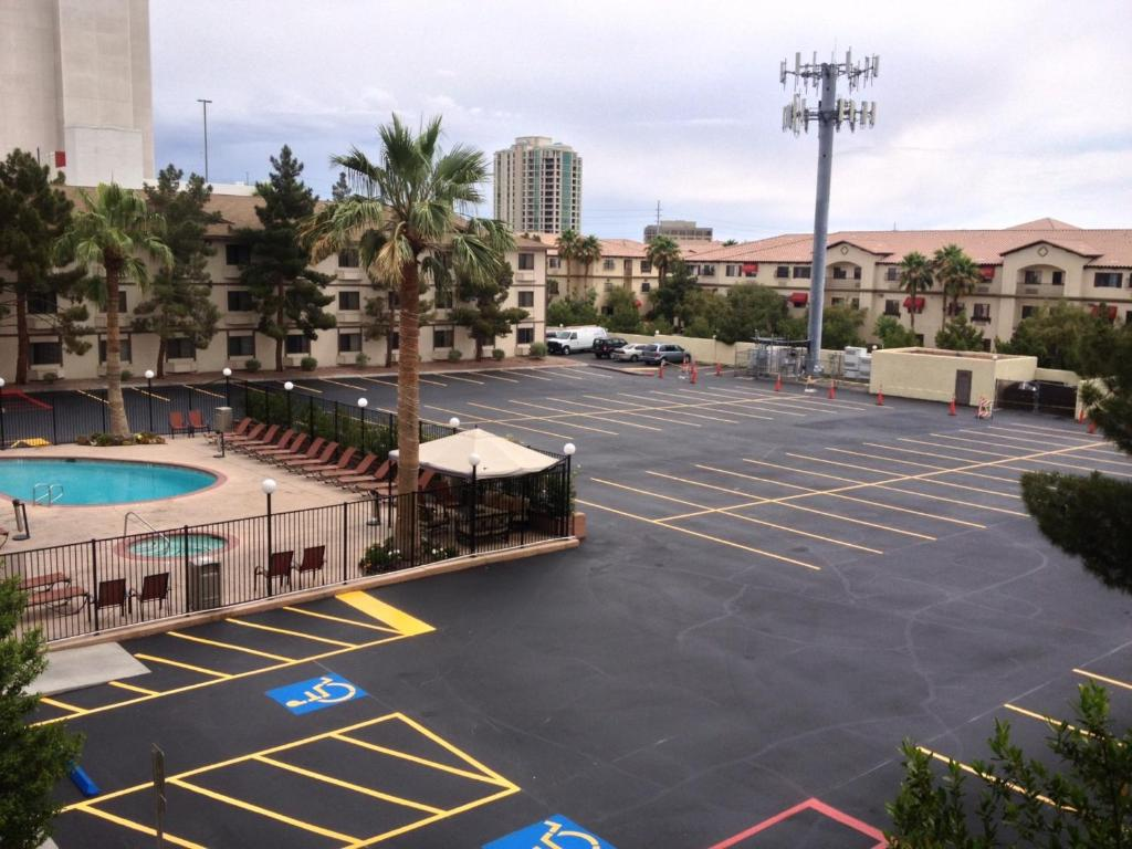 super 8 las vegas strip area at ellis island casino hotel