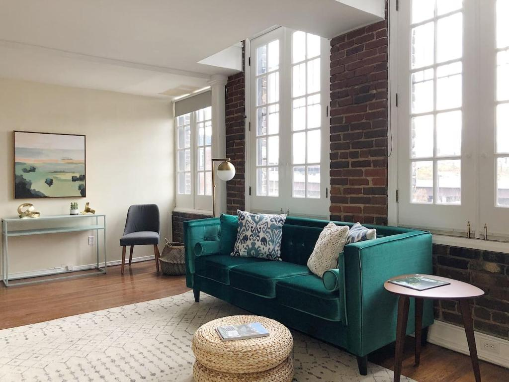 Modern gay st loft w view, knoxville