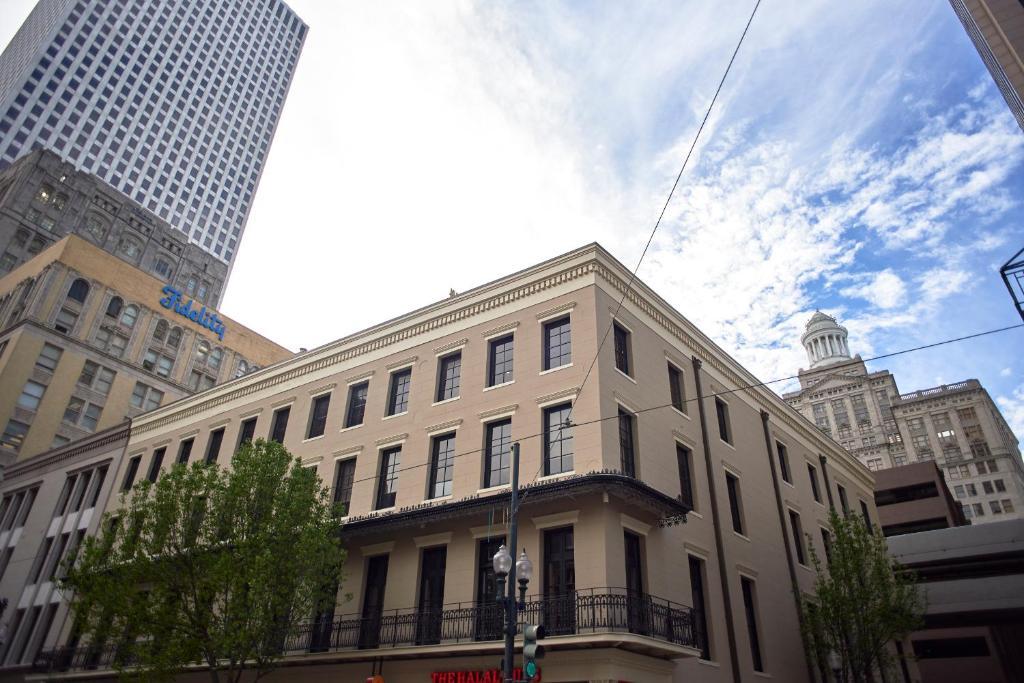 Condo Hotel Sonder Lafayette Square New Orleans La Booking Com