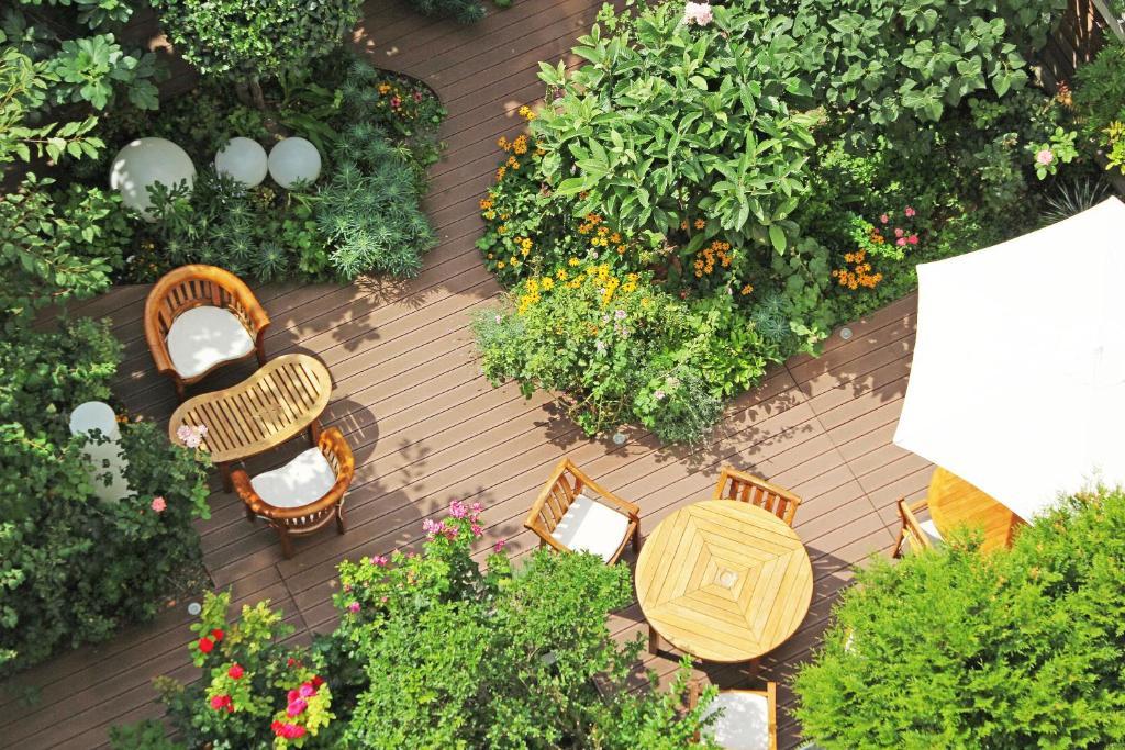 פטיו או אזור חיצוני אחר ב-Hotel Alhambra