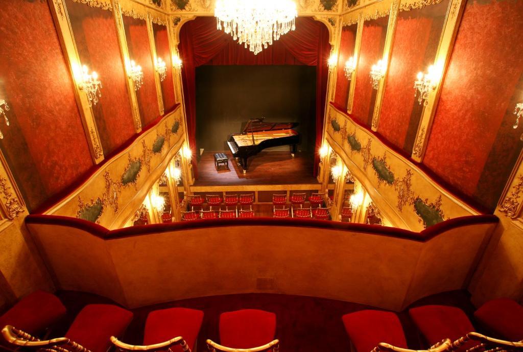bed & breakfast maison du théâtre saint bonnet, bed & breakfast