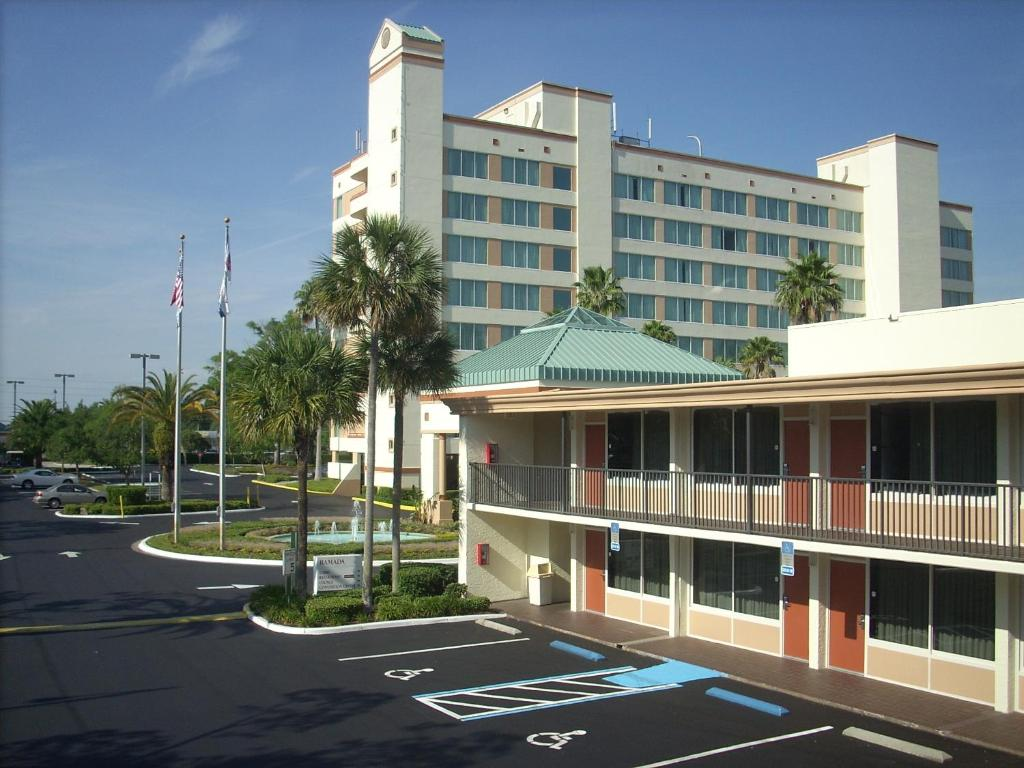 Ramada Kissimmee Gateway Orlando Book Your Hotel With