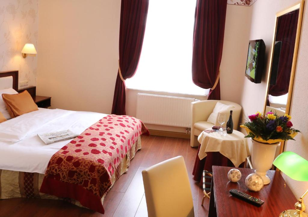 Bad Klosterlausnitz Hotel