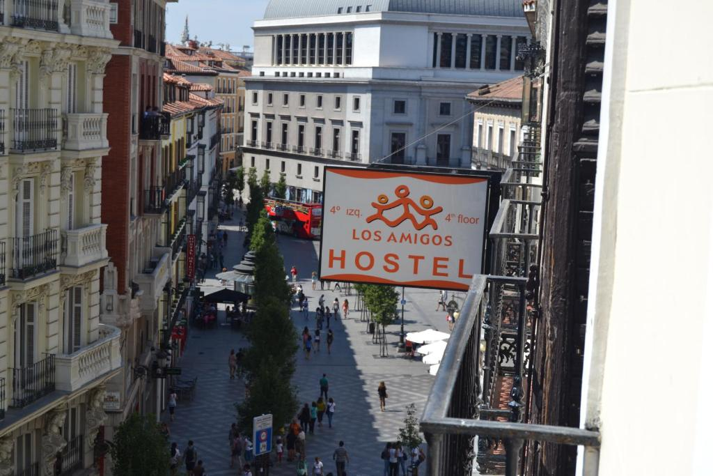 Los amigos hostel madrid for Hotel arenal madrid