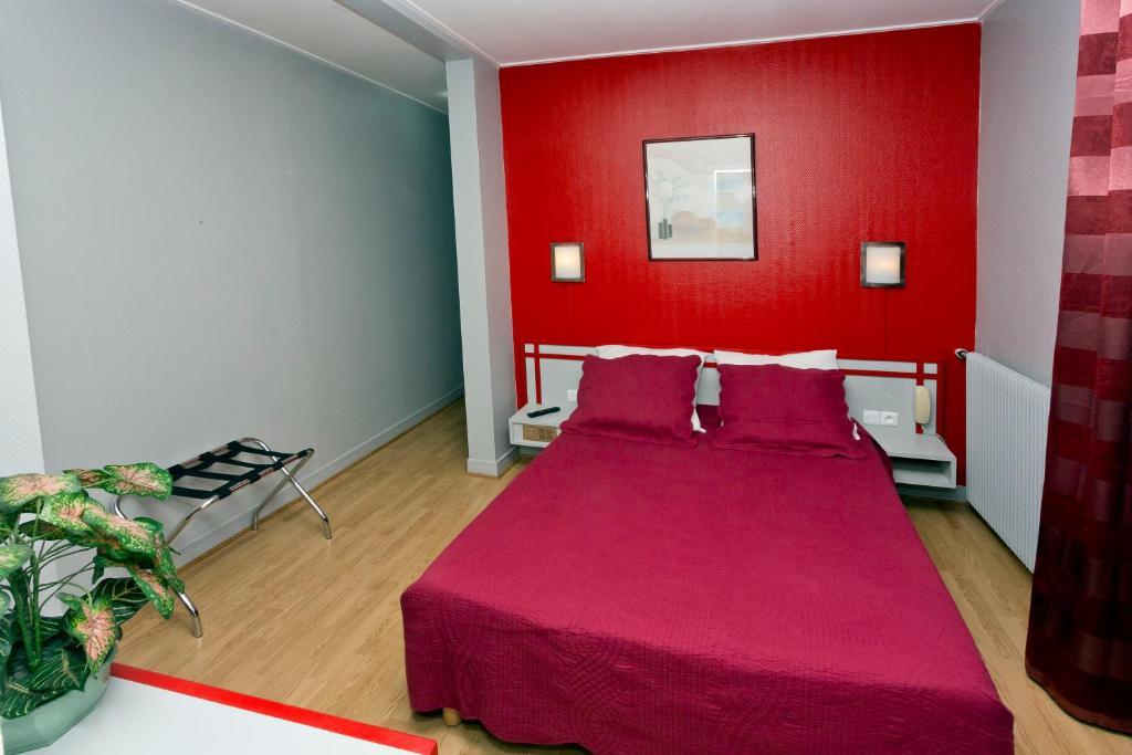 Hipotel paris belgrand mairie du 20 me r servation for Hotel sans reservation paris